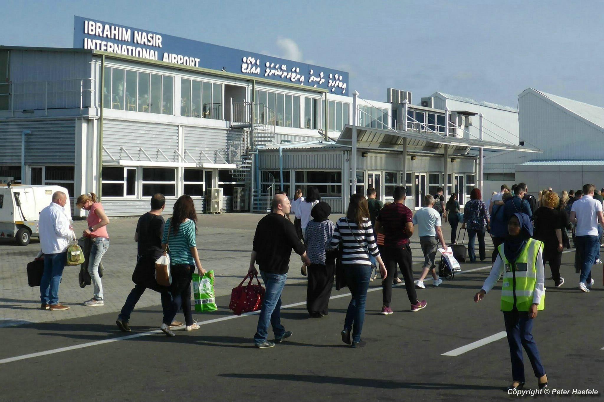 Ankunft auf dem Ibrahim Nasir International Airport Male