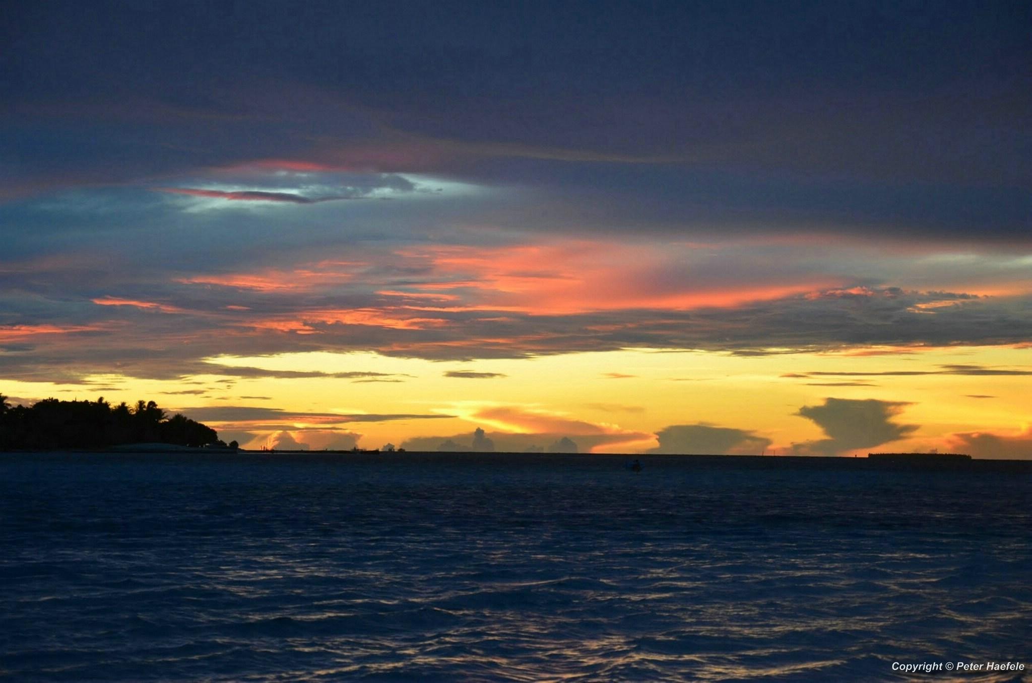 Sonnenuntergang ueber Sun Island, Ari Atoll Malediven